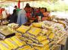 Venezolana de Cementos realizó Mercal Obrero en Planta Pertigalete